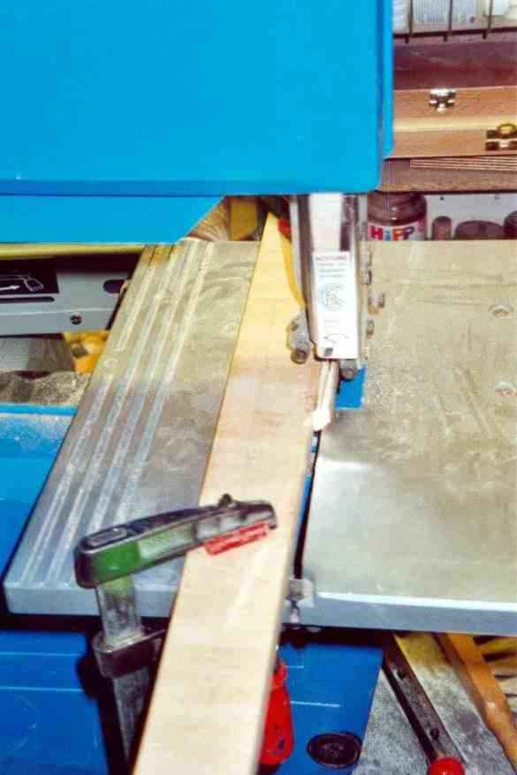 Sawing with bandsaw